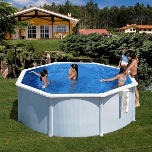 pequeñae-piscina-blanca-baeza